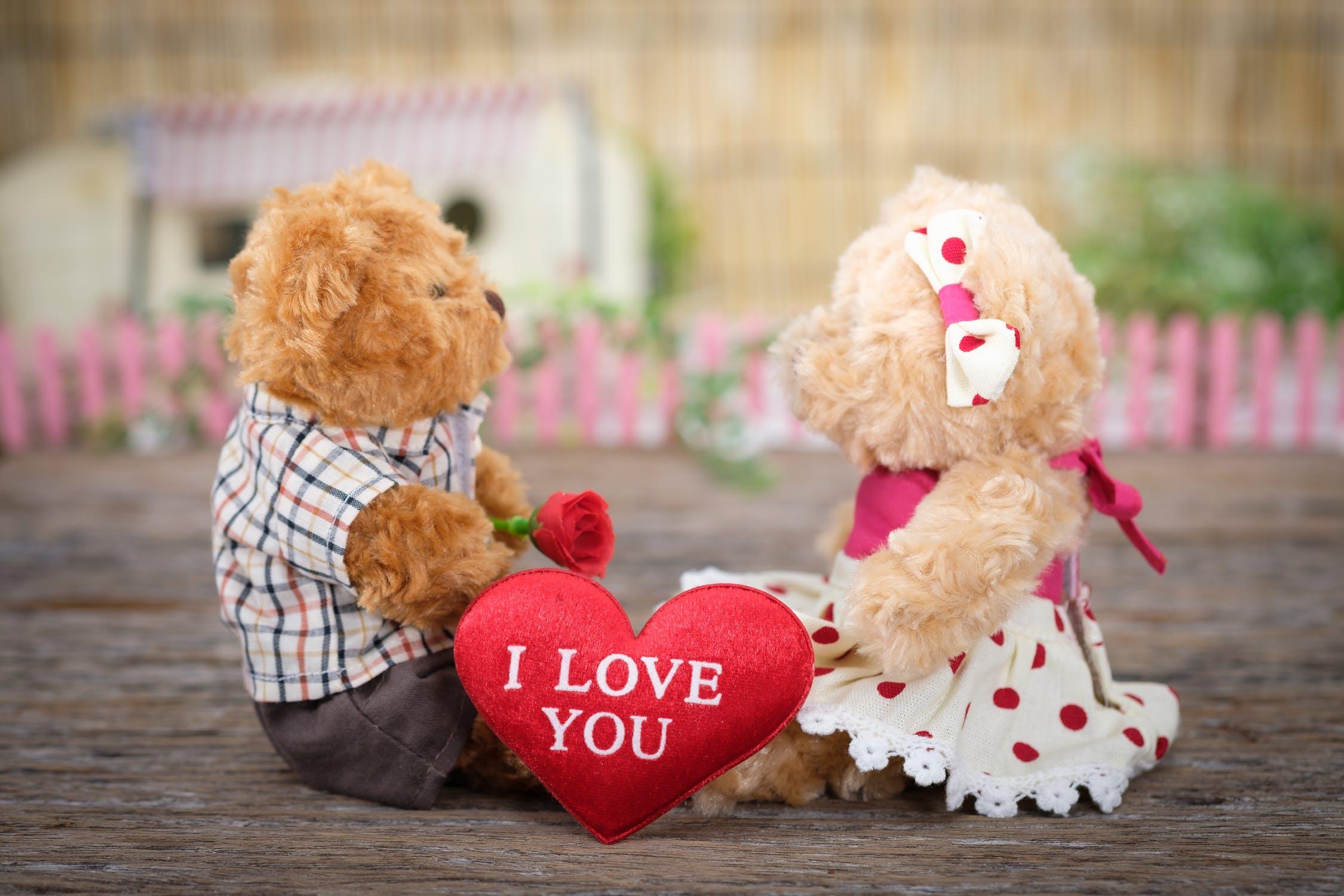 Amor y amistad dos hermosos sentimientos profundos que nos Conectan con la felicidad personal …